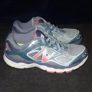 New Balance 860 v6 Running Shoes, Women Size 8.5